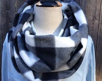 Clearance Sale! Super Soft warm fleece infinity circle wrap scarf classic buffalo check plaid black and white
