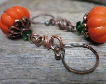 Harvest Pumpkin earrings ... brilliant orange pumpkins / wire vines and leaves / antique copper earwires