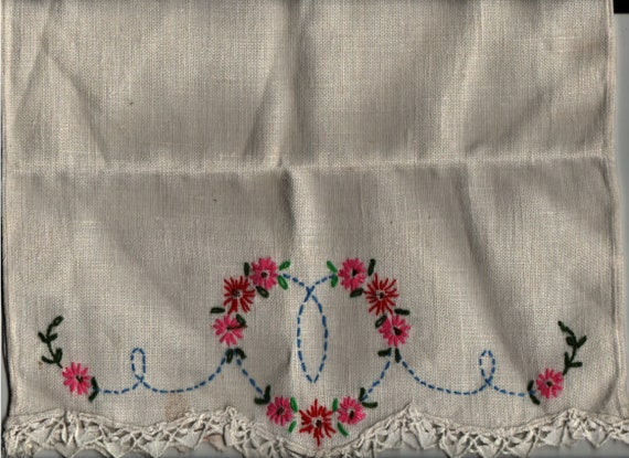 Seat back Cover with embroidered flower pattern - Vintage Textile