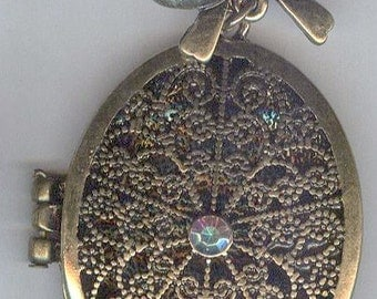Beautiful Antique Gold Locket Pendant with Rhinestone and Bow 55mm
