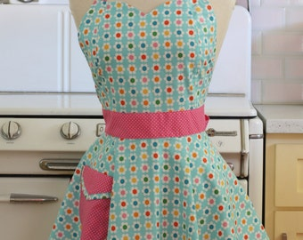 Retro Full Apron Sweetheart Neckline Colorful Daisies on Blue - BELLA