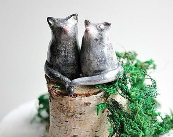 Clay Cat cake topper  - Miniature Hand sculpted Clay Cat - Miniature Totem Small Cat - Cat wedding cake topper - Made to Order