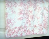 Cotton Pillowcase, Pink Pillowcase, Vintage Pillowcase, Floral Pillowcase, 1970's Pillowcase, Bed Pillowcase, Adrienne Vittadini Pillowcase