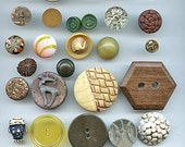 Lot (31) GOOD Vintage Buttons Variety Different Materials and Sizes wood Bakelite plastic glass ceramic 2023