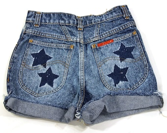90s Cut Off Denim Shorts / Vintage 1990s Lee Jeans Shorts / Short Daisy Duke Denim Shorts / Stars & Stripes Bleach Wash
