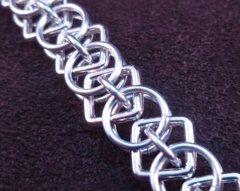 Square Helm - Chain Maille Bracelet - Small Weave