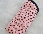Quilted Eyeglass\/Sunglass case - Black paw prints on pink