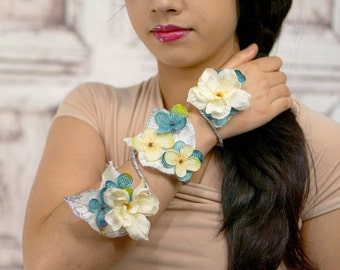 Flower Wrap Cuff, Flower Arm Band, Blue and White Bracelet, Fairy Flower Cuff, Boho Bracelet, Woodland Armband, Fairy Armband. Arm Cuff