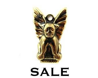 Vintage Antiqued Gold Plated Gargoyle Charms (10x) (V180) SALE - 40% off