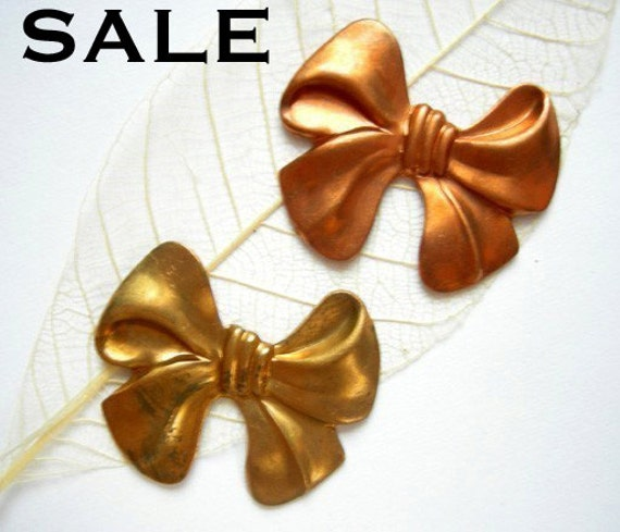 LOW Stock - Vintage Raw Brass and Red Brass Bow Stamping Pendants (6X) (V400) S A L E - 50% off