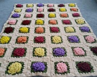 Vintage 1978 Crocheted Flower Afghan Blanket Throw