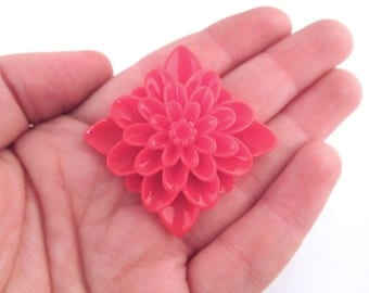 Red square chrysanthemum mum cabochons 34mm, pick your amount