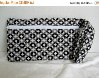 40% Off Quilted Wristlet - Black and White Modern Print - Wrist Style Purse - Wallet with Strap - Cellphone Purse
