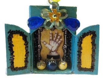 La Mano Loteria, Mexican Matchbox, Matchbox Ornament, Mexican Gift Tag, Day of the Dead, Mexican Nicho, Loteria Nicho, Loteria Card