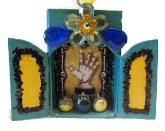 La Mano Loteria Matchbox//Muertos//Day of the Dead//Ofrenda Decor