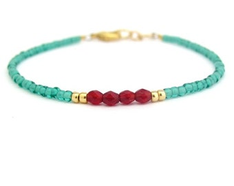 Green Bracelet, Garnet Red Bracelet, Seed Bead Bracelet, Dainty Bead, friendship Bracelet, Beaded Bracelet, Hawaiian Jewelry, gift for her