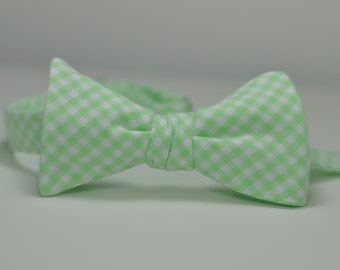 Mint Bow Tie, Mint Green Gingham, Wedding Bow Tie, Groomsmen Tie, Spearmint Freestyle Bowtie, Self Tie Bow Tie