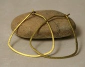 """Handmade hammered large gold tone hoop 38x35mm (aprox 1.5""""x1.4""""), one pair (item ID GT29G18)"""