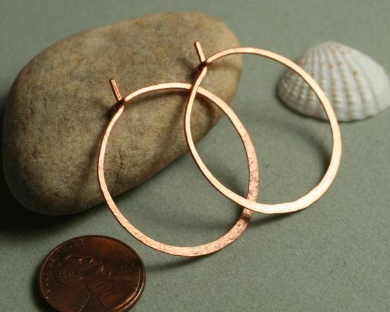 Handmade hammered solid copper infinite circle hoop (item ID LEC5-2G18)