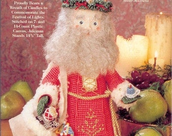 Old World Santas ~ plastic canvas book ~ Needlecraft ~  Juleman