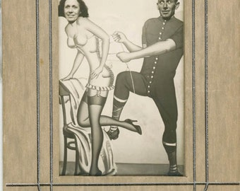 vintage photo Johnnie & Me San Fran Pike Arcade Heads Only Pulls Corset Underwear