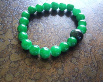 Forever Green Agate and Glass Beaded Stretch bracelet