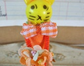 Vintage Style / Pipe Cleaner Easter Bunny Figure / Vintage Craft Supplies / Free-Standing Figure / Spun Cotton / Forget Me Nots / Basket