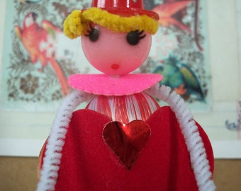 Vintage Style / Pipe Cleaner Valentine's Day Figure / Vintage Craft Supplies / Free-Standing Figure