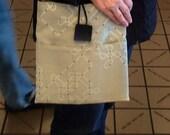 Vanilla Chip Large Shoulder Bag