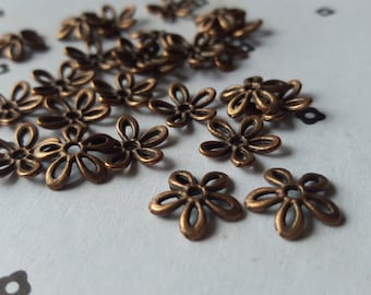 Antique Copper flower bead caps (25)