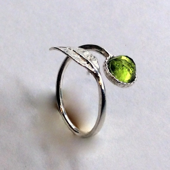 Thin ring, leaf ring, sterling silver ring, stone ring, peridot ring, stone ring, stacking ring, delicate ring - Gone with the wind R2062-2