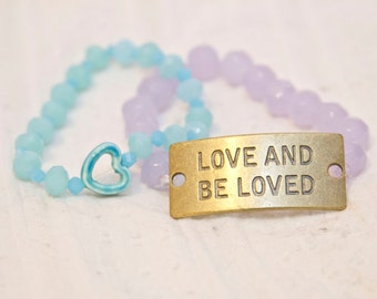 Love and Be Loved quote bracelet, Inspirational jewelry, blue heart bead, beaded bracelet, bracelet set, inspiration jewelry, be loved charm