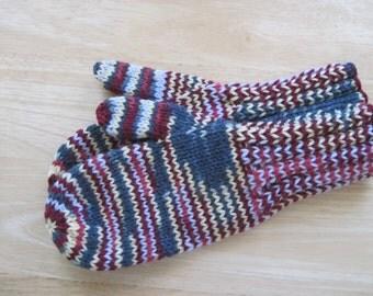 MITTENS HAND KNIT Adult Wool Dark Gray, Cranberry, Cream Variegated
