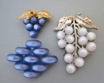 DeStash Vintage Coat Clip and Brooches blue moonglow