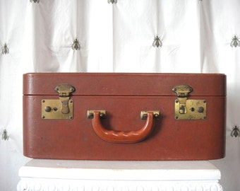 Vintage Dapper Hard Side Suitcase, Brown with White Stitching, Seven Pockets, Overnight Bag, Luggage