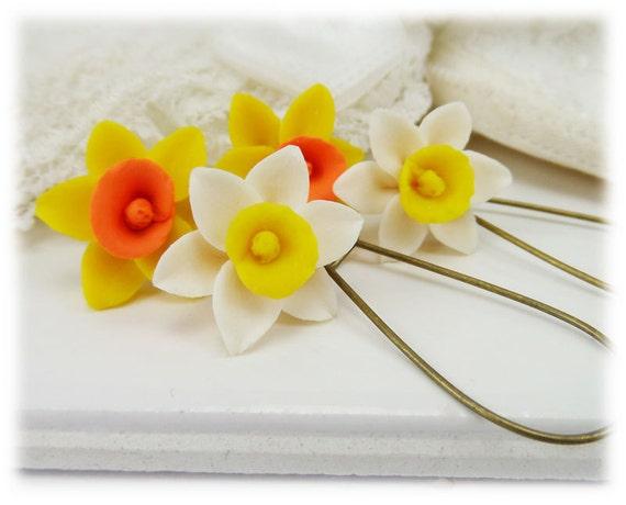 Single Daffodil Drop Earrings - Yellow Daffodil Earring, Daffodil Wedding, Daffodil Jewelry, Daffodil Gift, March Birthday Gift Idea
