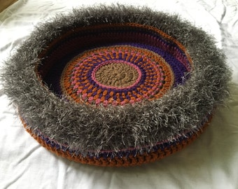 Spicoli's Hand Crocheted Cat Bed (no. 1638)