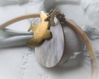 Bangle Bracelet Buffalo Horn Charm Bracelet Gold Bird Bracelet Item No. 1846  5547