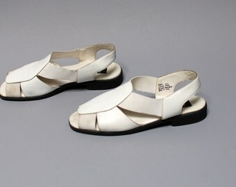size 10 CUTOUT white leather 80s STRAPPY oxford sandals