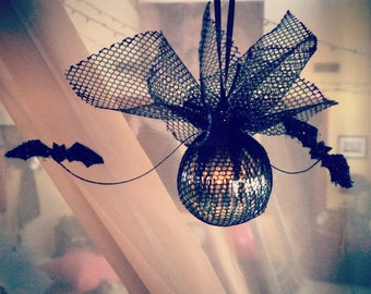 Black Batty Holiday Ornament - Goth  - Holiday - Tree - Decoration - Gifts under 10