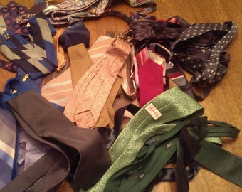Lot of 30 Assorted Vintage  Neck Ties