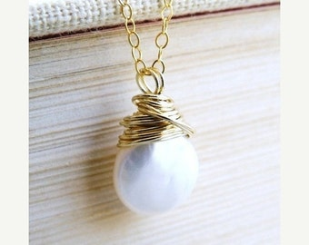 Clearance SALE White Coin Pearl Gold Necklace Baroque Pendant GN10