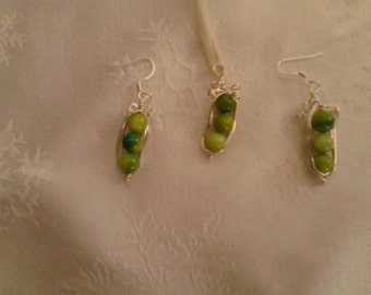 3 peas in a pod pendant and earrings