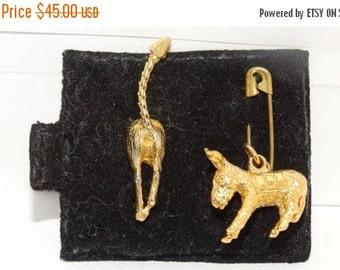 Vintage Patriotic Democratic Donkey Gold Charm & Tie Tack Classic 60's Texana retro 1960's Charm Bracelet Charm, Mens jewelry