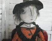 Primitive Folk Art Grungy Halloween Pedestal Witch with Felted Wool Mouse for Fall Display~CUTE!