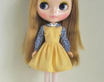 I love books dress for Blythe