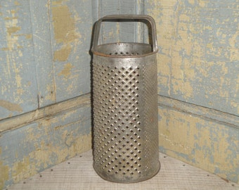 Old Tin Round Grater | Vintage Round Grater | Antique Tin Grater
