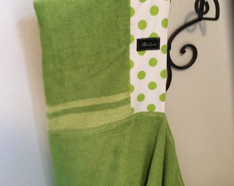 Green Dot Baby/Toddler/ Child Hooded Bath Beach Pool Towel