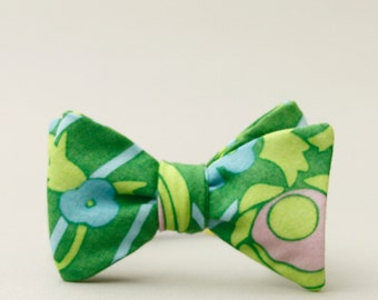 mod bow tie // unisex self tie bow tie // kelly green & lime green bow tie