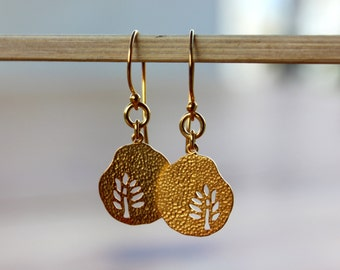 Gold Disc Earrings, Gold Jewelry, Hammered Disc Earrings, Gold tree Earrings, Tree charm Drop Earrings, Dangle hammered Earrings